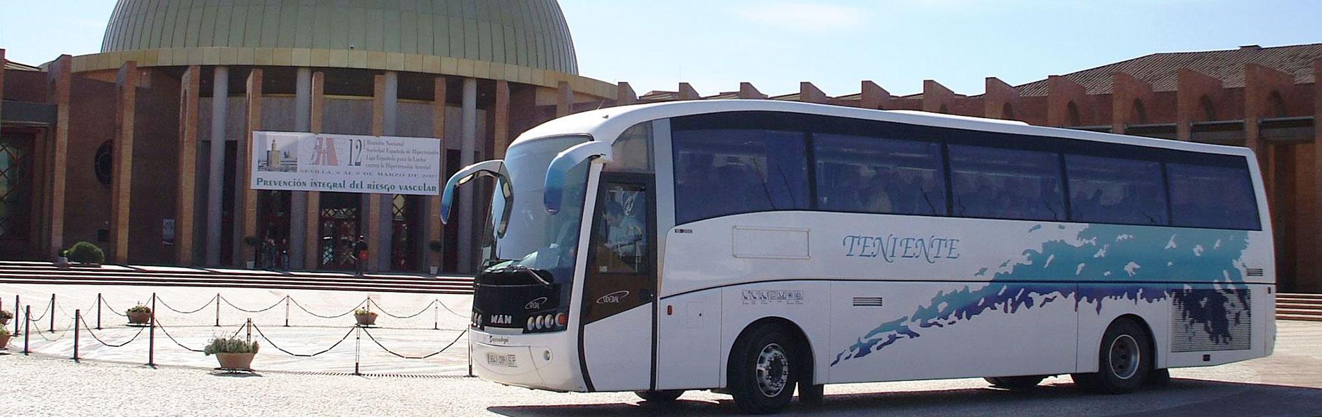 Autobus-FIBES-1900x600